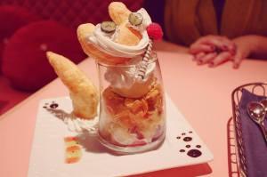 Alice in Wonderland restaurant dessert Shinjuku Tokyo Japan JaPlanning