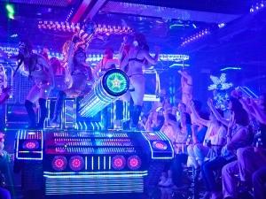 Robot restaurant shinjuku kabuchiko technicolour tank show singing